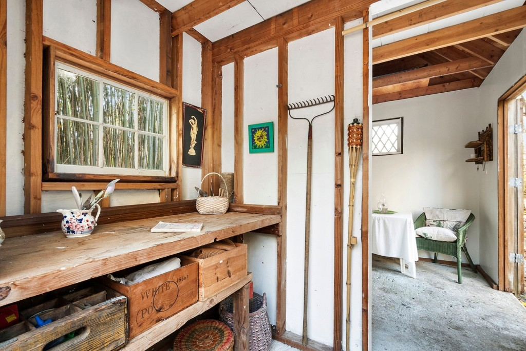 A tiny home for kicking back in the hamptons zillow for Tiny house zillow