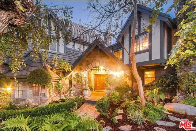 Fairy tale homes for sale zillow porchlight for Tudor style house for sale