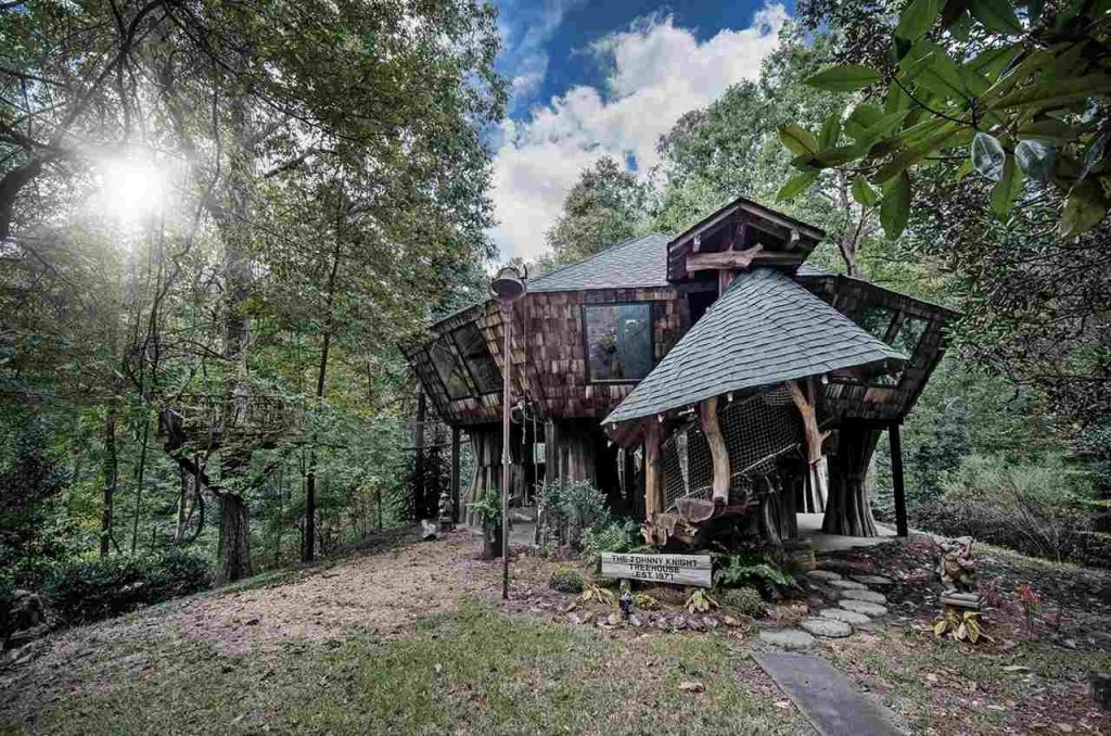 Sold Enchanted Treehouse With An Artist 39 S Touch Zillow