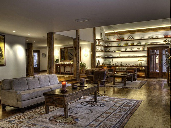 Bruce Willis Cuts Sun Valley Home Price