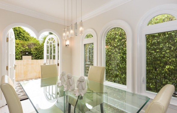 Update faye dunaway s west hollywood compound goes for 1 for Zillow duplex los angeles