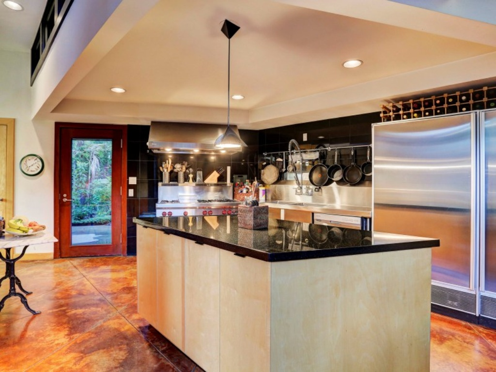 House of the week frank lloyd wright design back from the for Kitchen island houston
