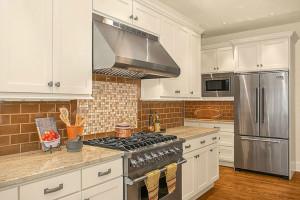 kitchen lg2