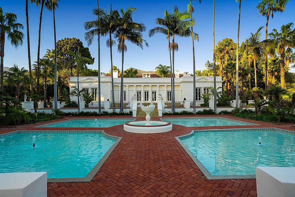 Update 39 scarface 39 mansion sells for 22m under original for Mansion house price