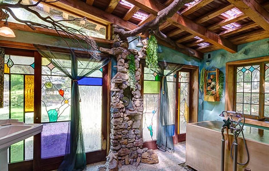 Nothing Splashy Daryl Hannah S Malibu Retreat For Sale