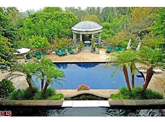 Kenny rogers 39 former liongate estate for sale in bel air for Kenny pool design