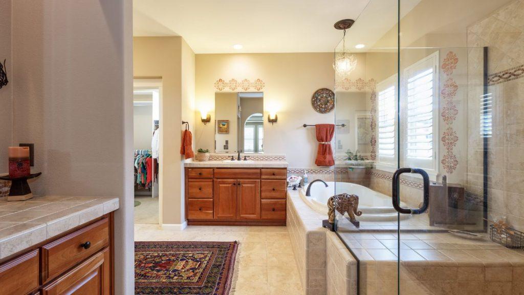Luxury Master Bathroom Design Ideas & Pictures