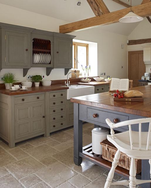 Staged-kitchen-22d647.jpg