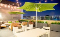 outdoor seating area at M Lofts in Los Angeles