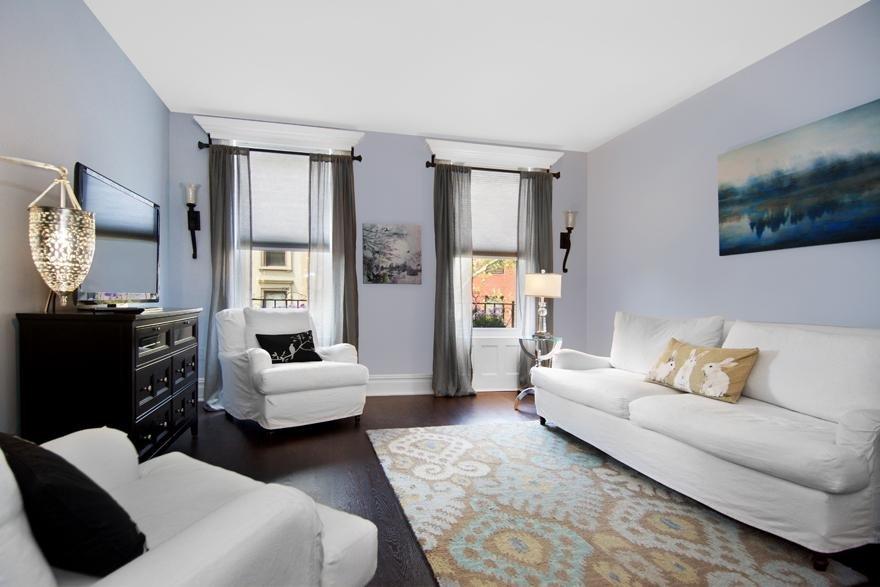 Three bedroom face off uws vs carroll gardens streeteasy for Living room 86th street