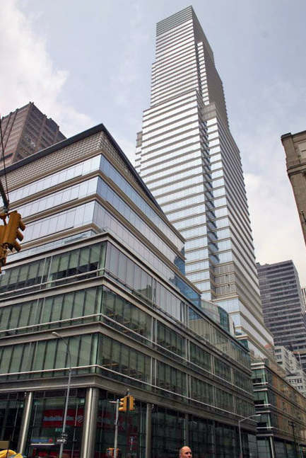 Guess the priciest nyc buildings by median square foot for Bloomberg tower one beacon court