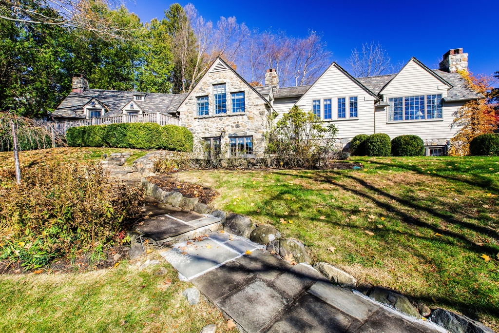Robert Durst S Former Westchester Home Listed Streeteasy